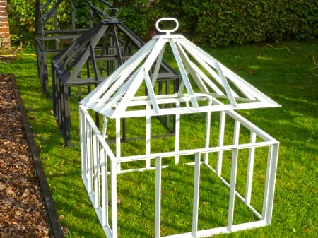 mini greenhouse pyramid DBG Classics homepage
